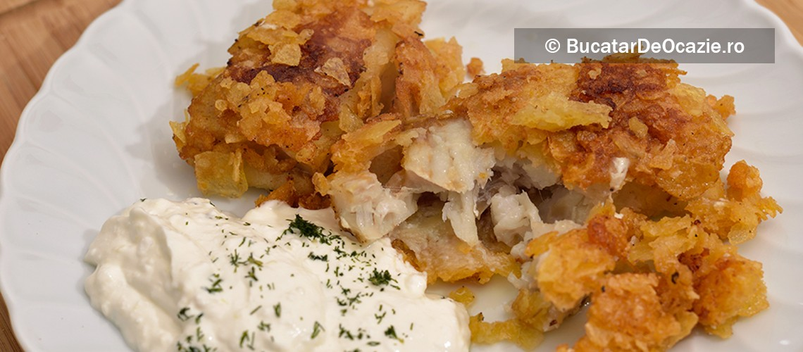 File de peste crocant cu sos de smantana cu usturoi