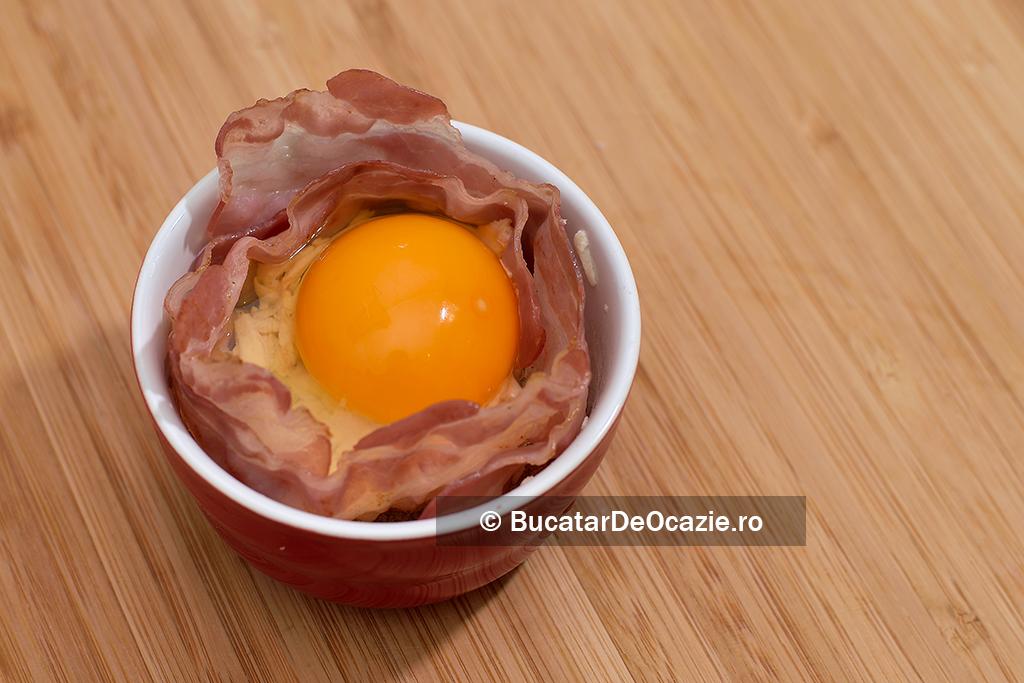 Bacon cu ou la cuptor #4
